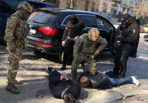 Суд узяв під варту на 2 місяці затриманого в Ужгороді за вимагання Дребітка