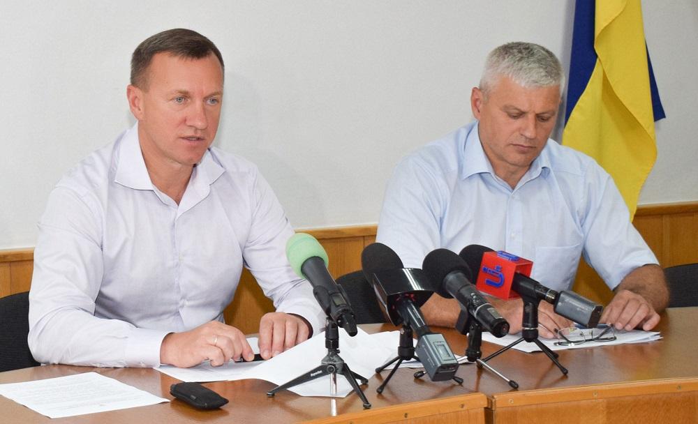 Директору Департаменту міського господарства Ужгородської міськради таки вручили повідомлення про підозру у скоєнні злочину