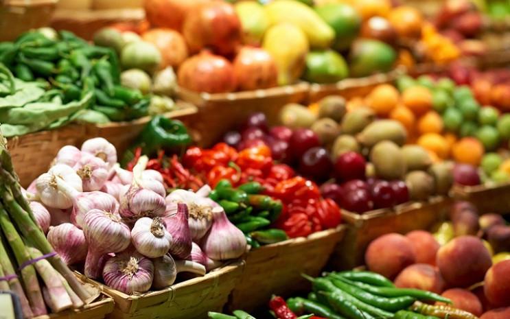 У Мукачеві продуктові ринки відновлюють роботу з дотримання ...