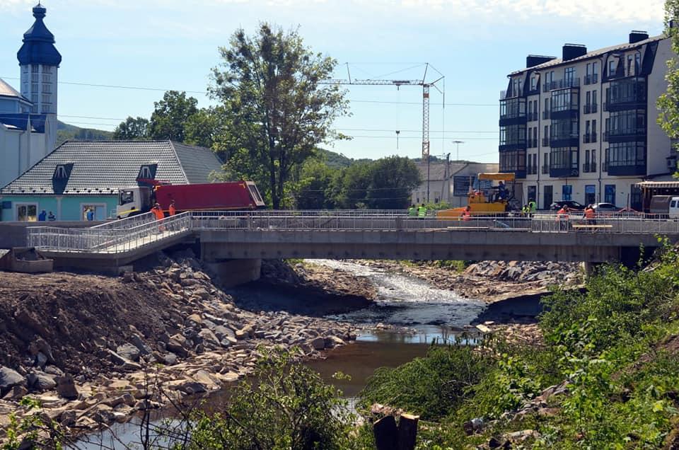 За кілька днів у Сваляві добудують міст (ФОТО)