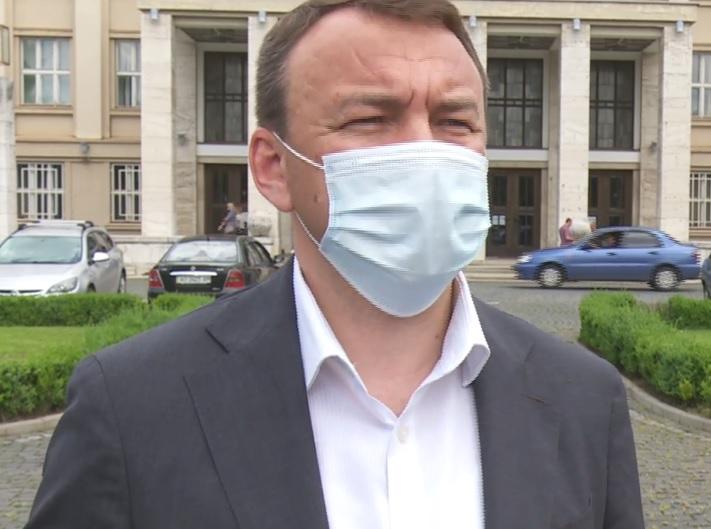 Через різке зростання захворюваності на COVID-19 на в'їзді в Закарпатську область та в населених пунктах встановлять блокпости