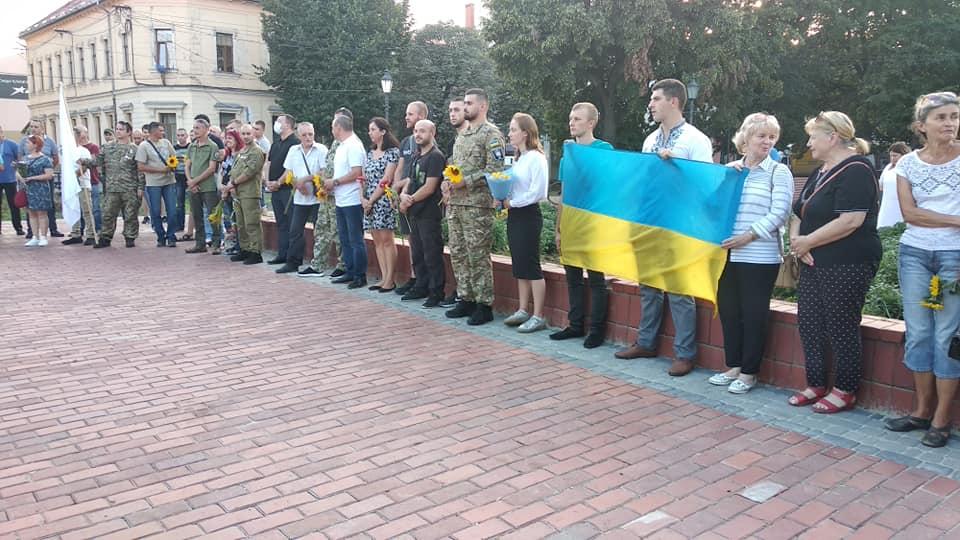 В Ужгороді відбувся молебень за воїнами, які загинули, захищаючи Україну (ФОТО)