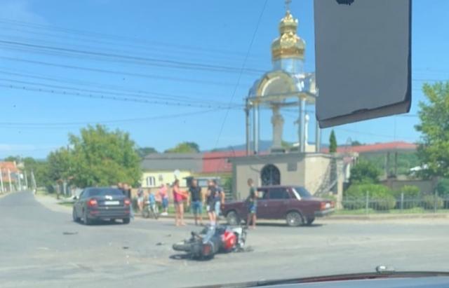 ФОТОФАКТ. У ДТП на Іршавщині постраждав молодий мотоцикліст