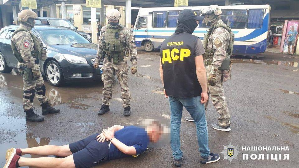"""Завершено слідство стосовно затриманих у Хусті влітку """"рекетирів"""" (ФОТО)"""