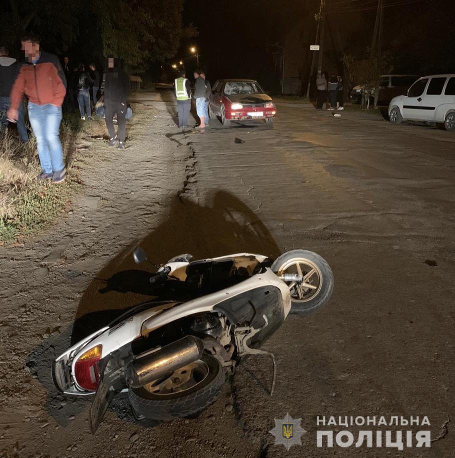На Хустщині п'яна мотоцикліста зіткнулася з VW