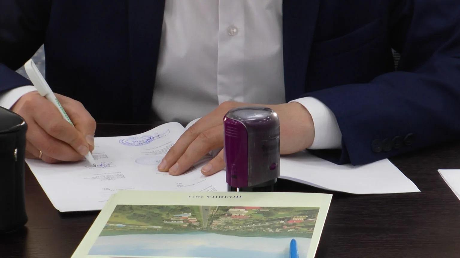 У Полянській ОТГ підписали договір співробітництва 16 громад стосовно будівництва сміттєсортувального заводу