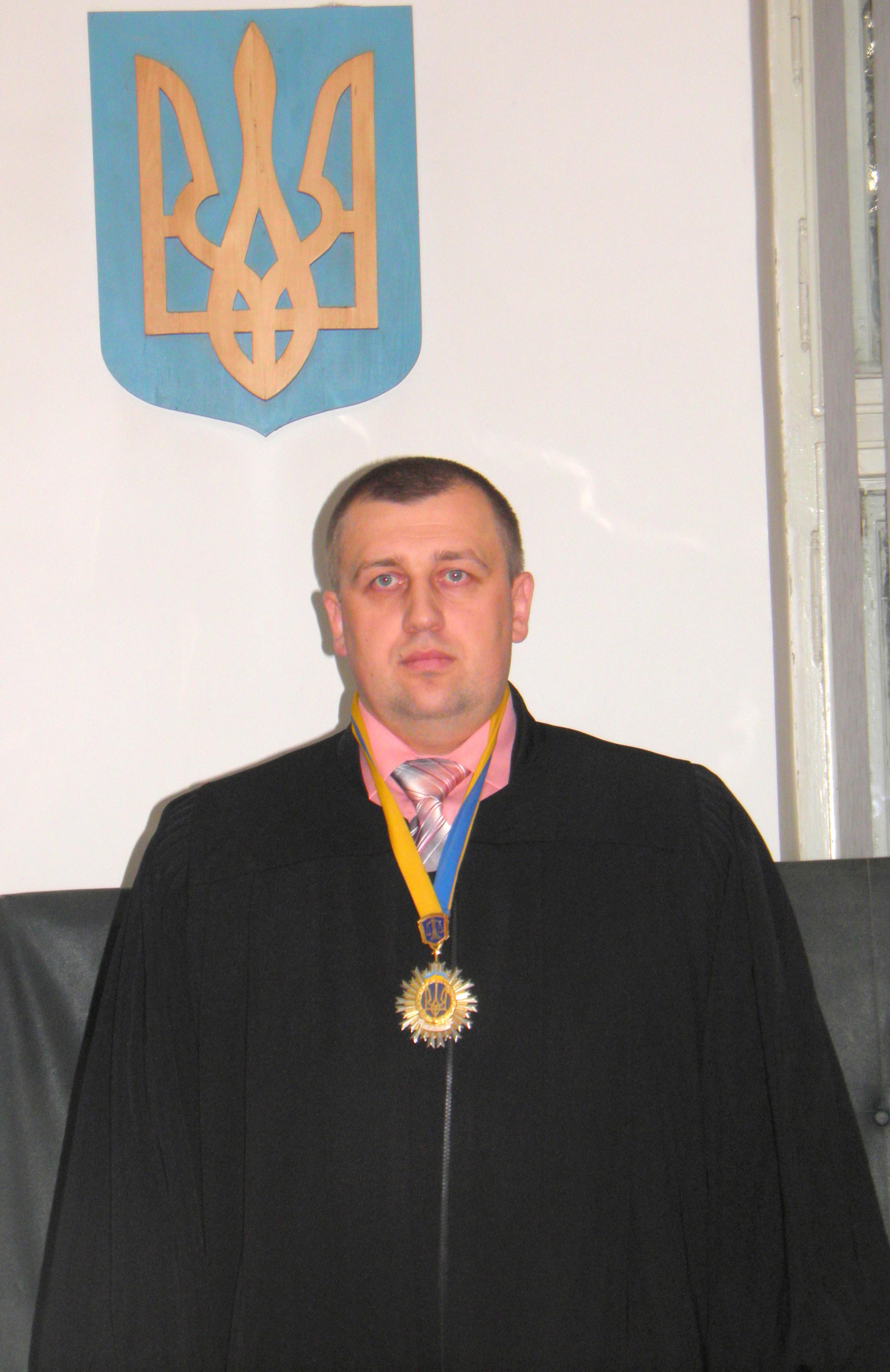 ВАКС ув'язнив за хабар рахівського суддю Тулика на 6 років (ВІДЕО) @  Закарпаття онлайн