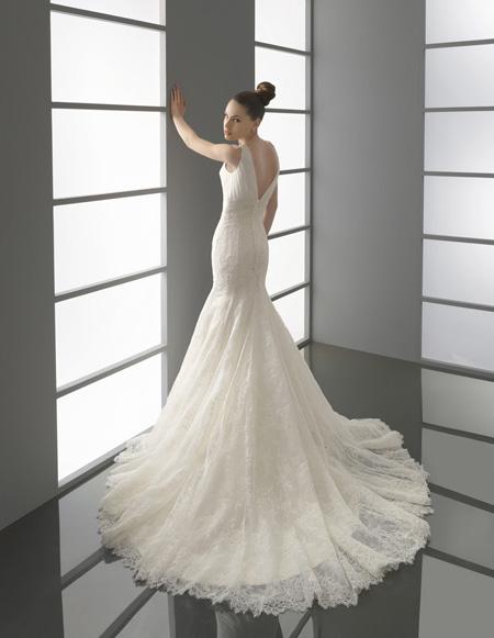 Весільні сукні 2012 — огляд модних тенденцій від ужгородських ... 33d05ec619fbf