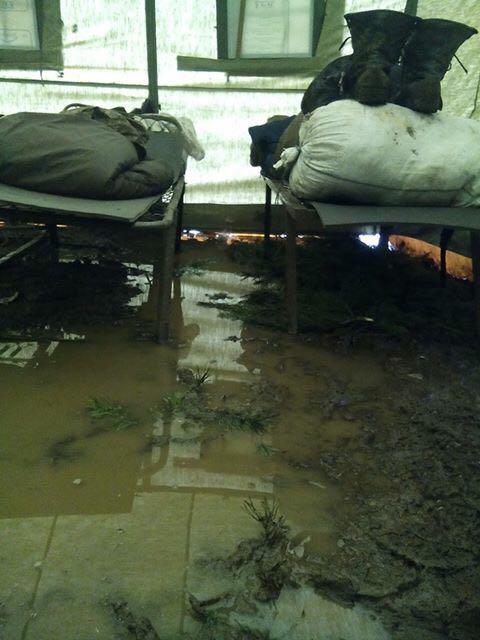 Чому 128 бригаді доводиться спати у болоті замість бліндажів 2