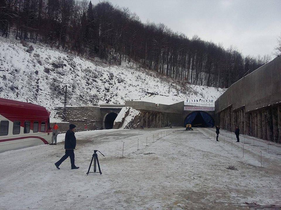 Завершено перший етап будівництва нового Бескидського тунелю