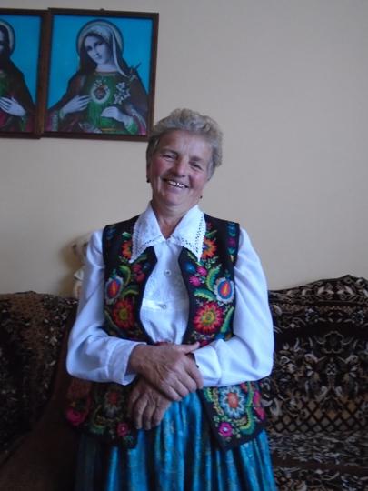 Золоті руки народної майстрині Єви Карабин