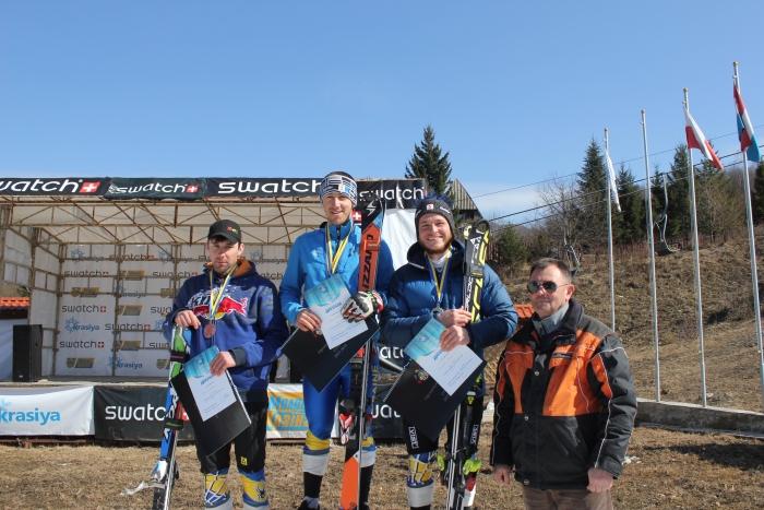 Закарпатці везуть медалі з міжнародного турніру з гірськолижного спорту в Гімалаях
