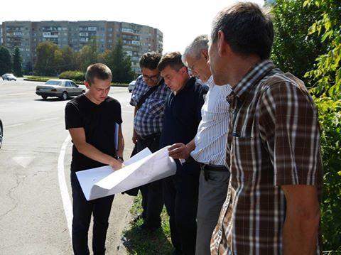 В Ужгороді обстежують правильність і якість дорожньої розмітки