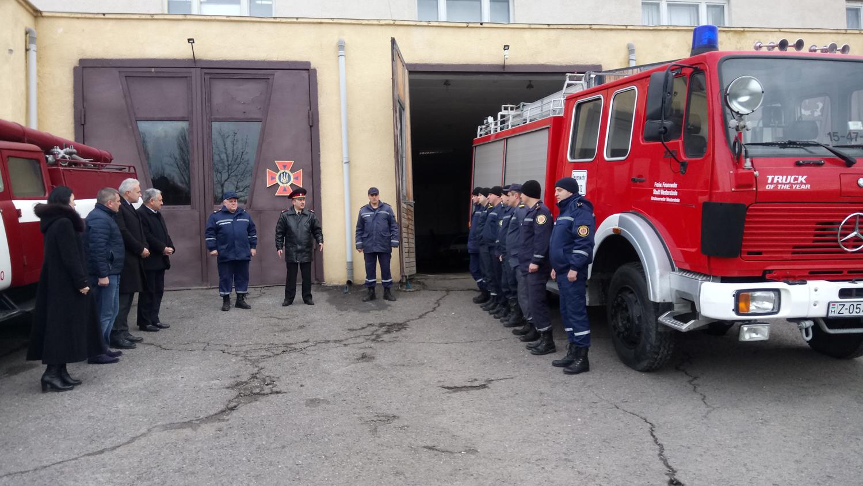 """Аварійно-рятувальний """"Мерседес"""" передали рятувальникам Берегівщини"""