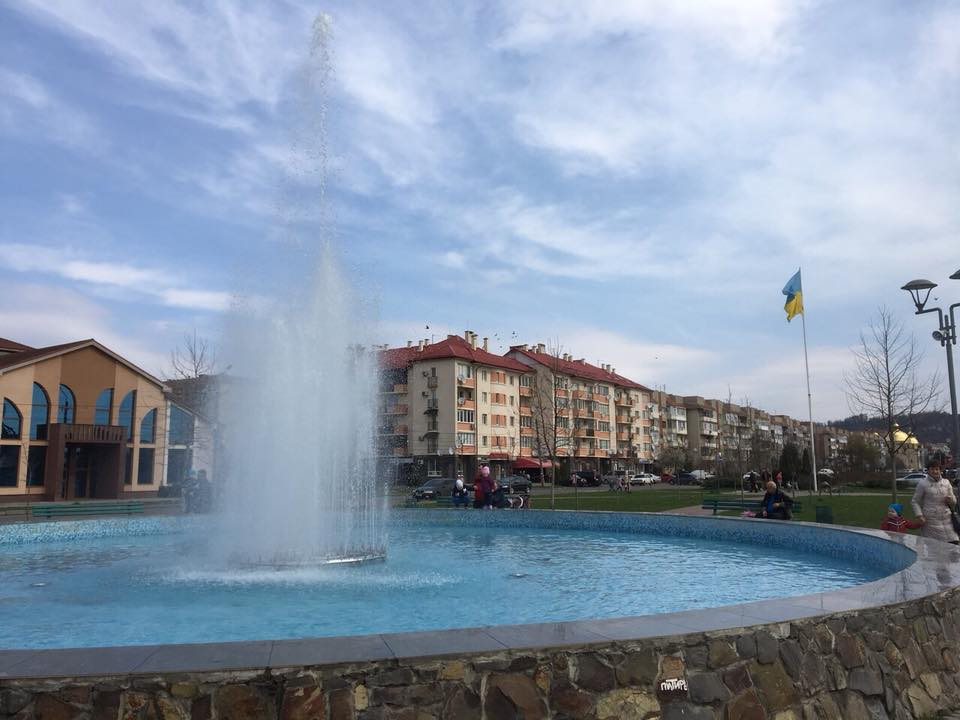 У Мукачеві запрацювали фонтани (ФОТО)