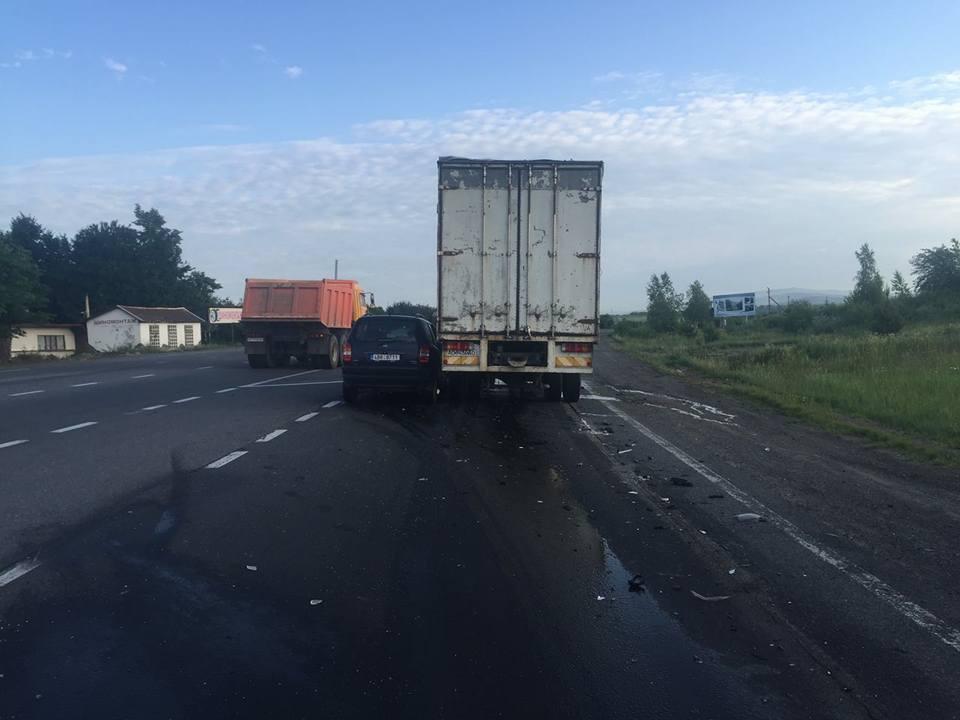 Унаслідок ДТП на Ужгородщині кількох постраждалих забирала