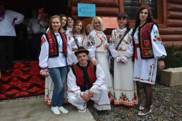 Давні традиції весілля відтворили на фестивалі