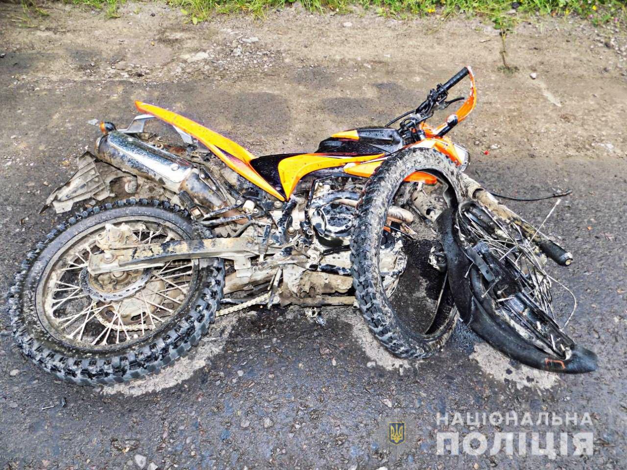П'яний мотоцикліст врізався в зустрічний Renault