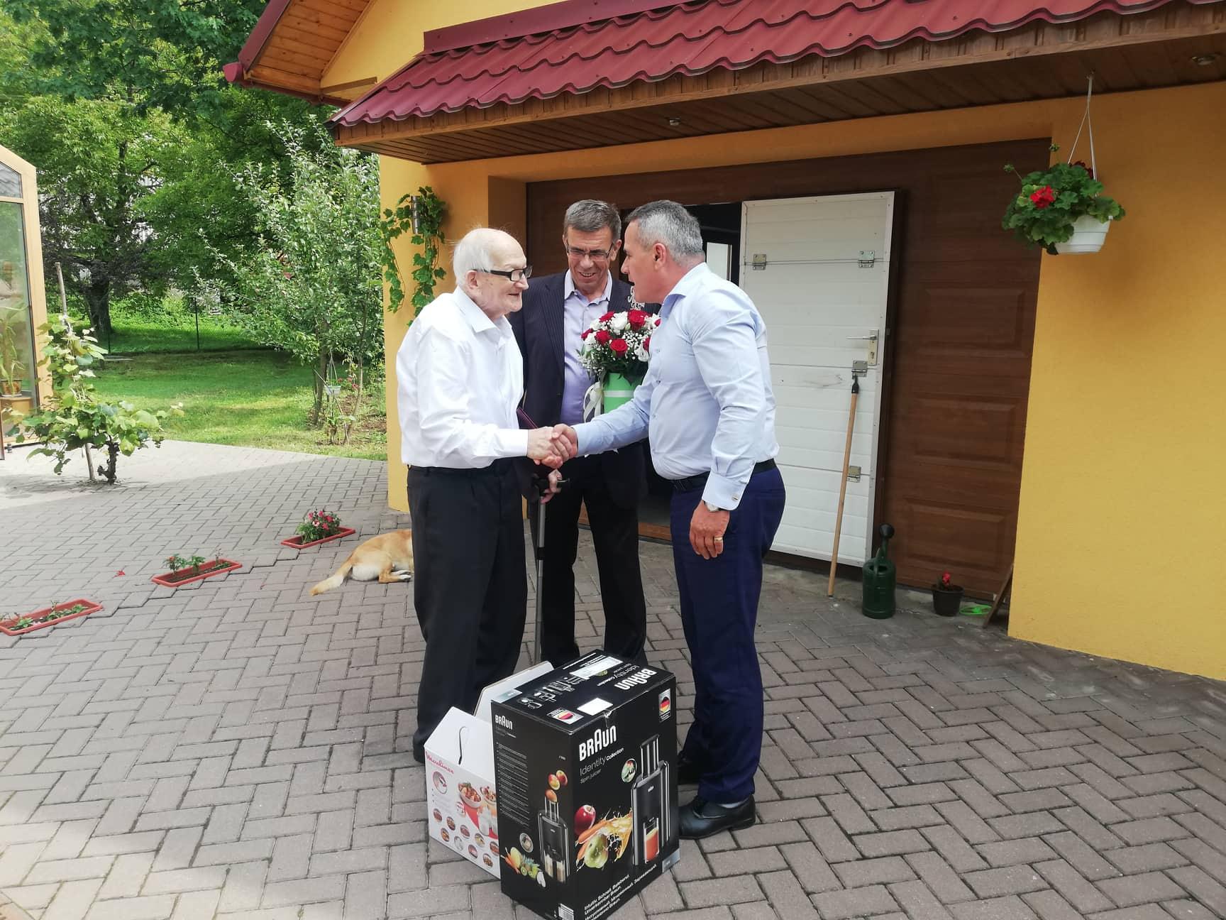 100-річний ювілей відзначив відомий закарпатський поет і прозаїк Петро Продан