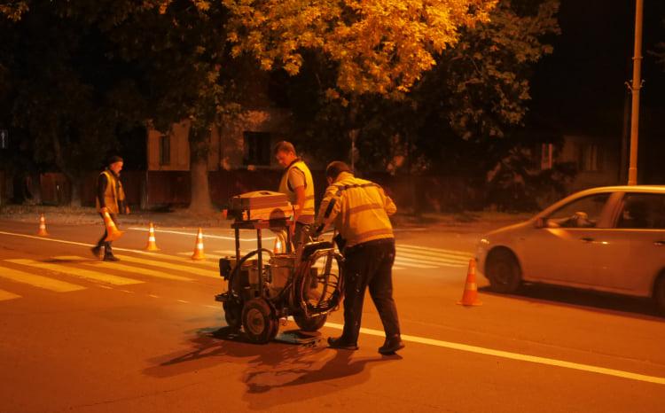 На вулицях Ужгорода нарешті з'явилась розмітка (ФОТО), фото-2