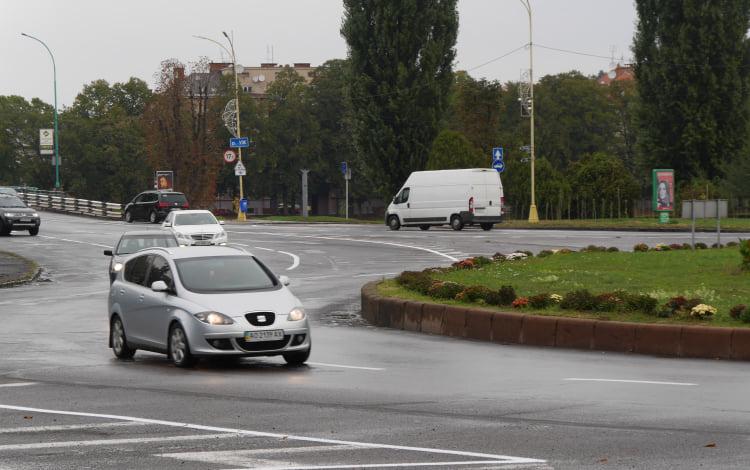 На вулицях Ужгорода нарешті з'явилась розмітка (ФОТО), фото-4