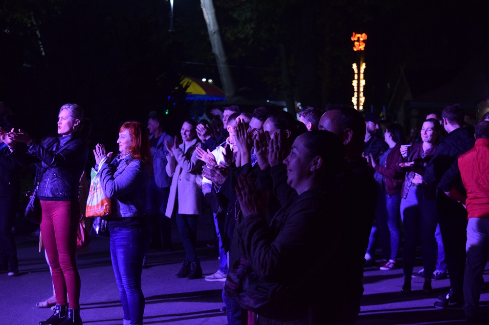 """Наїдки, музика та танці: В Ужгороді стартувало """"Бабине літо у Боздоському парку"""" (ФОТО), фото-16"""