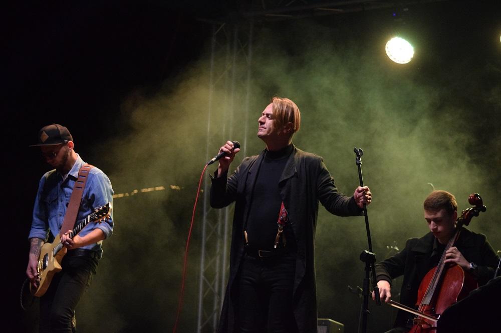 """Наїдки, музика та танці: В Ужгороді стартувало """"Бабине літо у Боздоському парку"""" (ФОТО), фото-24"""