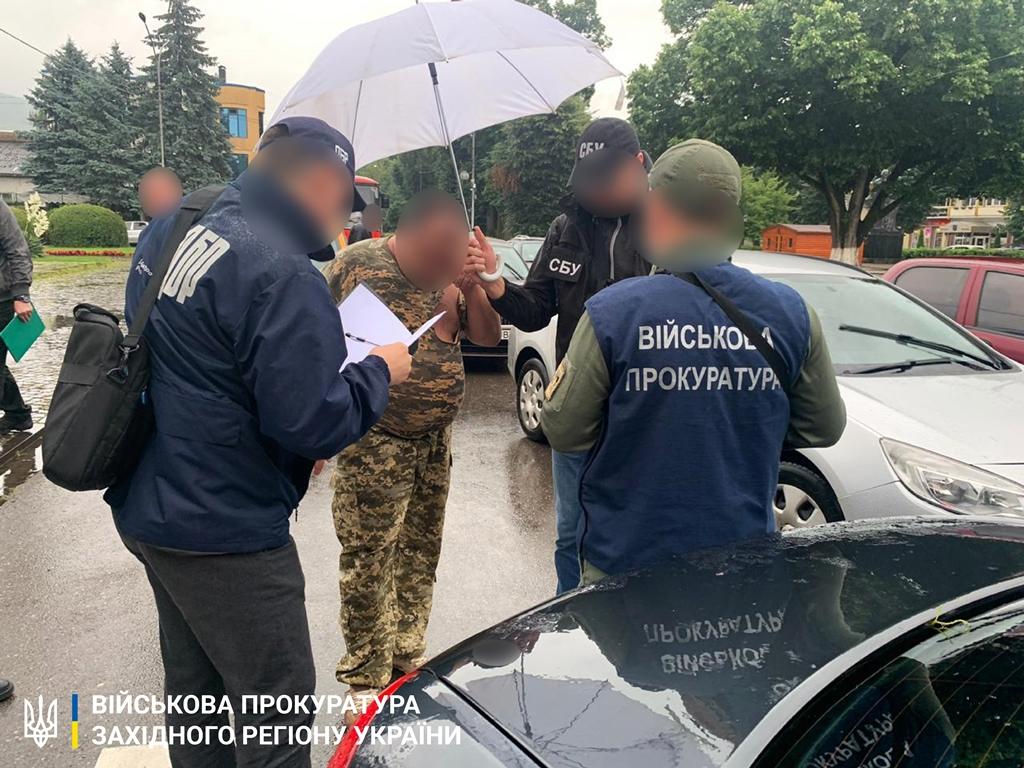 На Закарпатті судитимуть офіцера-прикордонника за отримання хабара у 720 доларів (ФОТО), фото-2