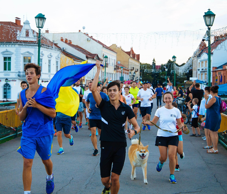 Неймовірні 1000 км за 85 годин: в Ужгороді встановили біговий рекорд України (ФОТО), фото-8