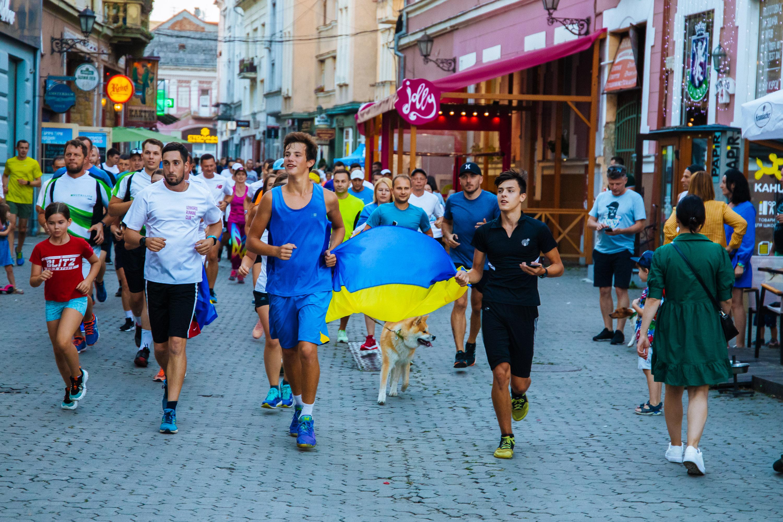 Неймовірні 1000 км за 85 годин: в Ужгороді встановили біговий рекорд України (ФОТО), фото-10