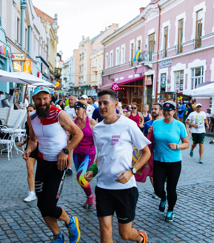 Неймовірні 1000 км за 85 годин: в Ужгороді встановили біговий рекорд України (ФОТО), фото-11