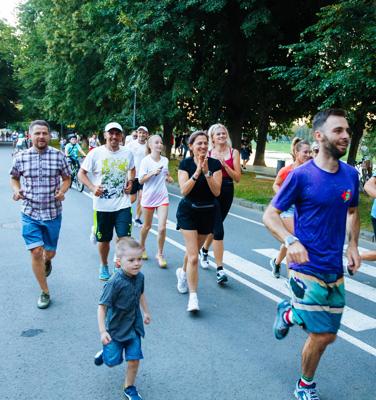 Неймовірні 1000 км за 85 годин: в Ужгороді встановили біговий рекорд України (ФОТО), фото-12