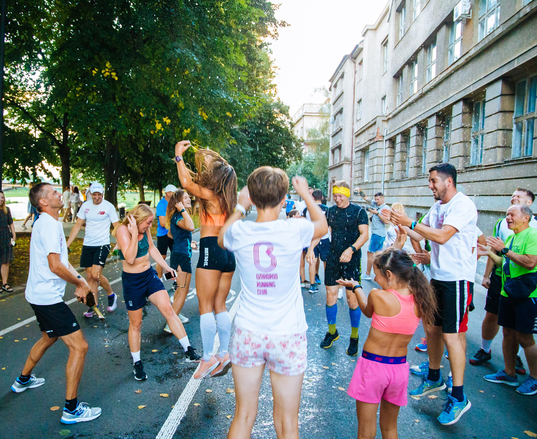 Неймовірні 1000 км за 85 годин: в Ужгороді встановили біговий рекорд України (ФОТО), фото-13