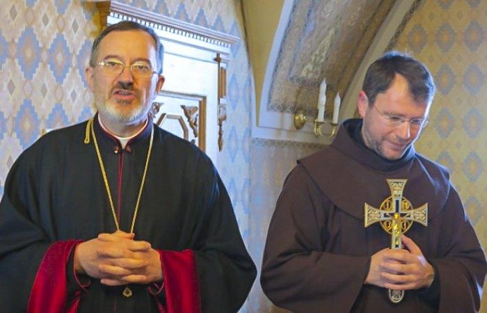 Покійний Єпископ Мукачівської греко-католицької єпархії Мілан Шашік та єпископ-помічник Ніл Лущак