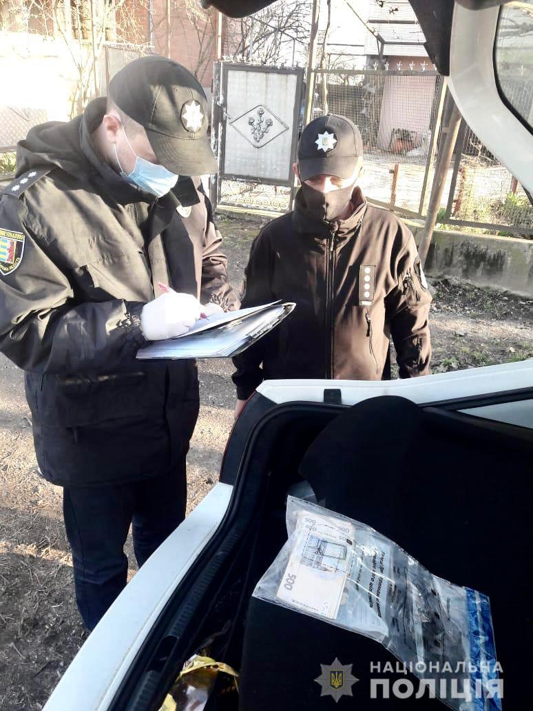 На Ужгородщині п'яний водій за 17 тис грн намагався відкупитися від  поліцейських (ФОТО) @ Закарпаття онлайн