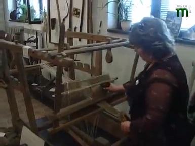 Свалявський музей пропонує відвідувачам майстер-клас на кроснах (ВІДЕО)