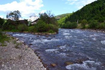 Хто насправді вирішує, де будувати малі ГЕС на закарпатських річках?