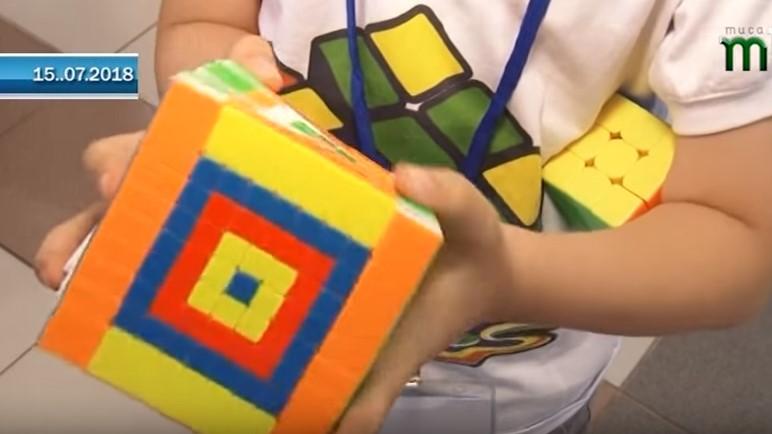 Міжнародні змагання зі швидкісного збирання кубика Рубика відбулися в Ужгороді