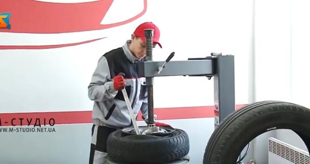 У Хустському профліцеї відкрили центр підготовки автослюсарів (ВІДЕО)