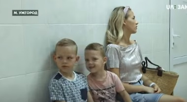 Понад 3 тисячі школярів в Ужгороді не мають усіх щеплень (ВІДЕО)