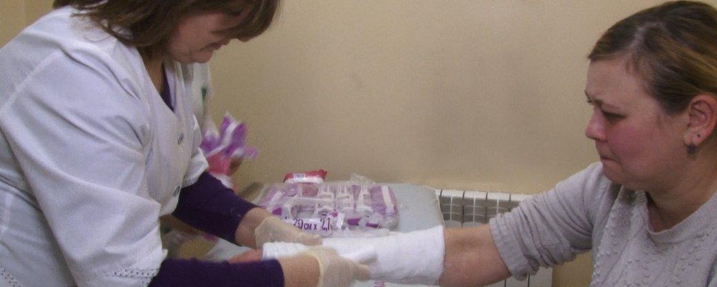 Ожеледиця в Ужгороді: 63 людей травмовані, 6 потребують операції (ВІДЕО)