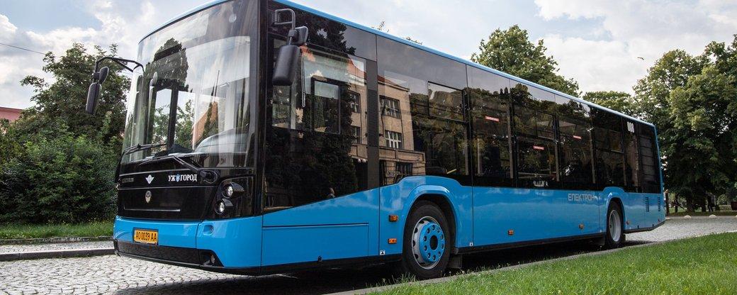 """Нові """"Електрони"""" очікують в Ужгороді. Приватні перевізники переробляють автобуси для районів (ФОТО, ВІДЕО)"""