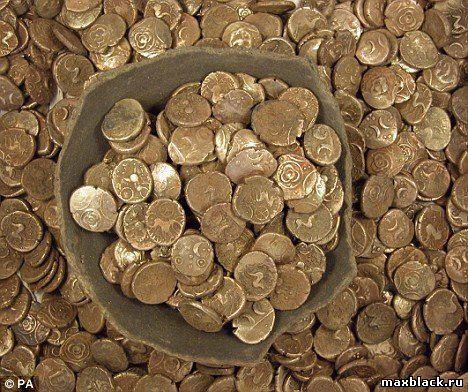На висновки про поховання скарбів